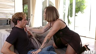 Fucking awesome Spanish MILF Betty Foxxx is made to be fucked daily