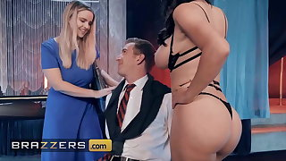 Horny Stripper Krissy Lynn Seduces Danny D, Big Juicy Cock