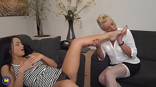 Daisi and Mandy Mystery have a crush on sucking each other toes