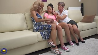 Carla S. gets seduced wits mature lesbians into a threesome