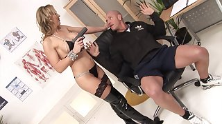 MILF Tanya Tate fucks one lucky defy and gets a facial