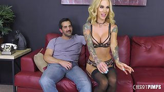 Blonde baby in stockings Sarah Jessie rides a dick like a gripe