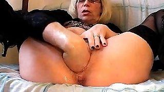 Solo leila masturbation and fisting
