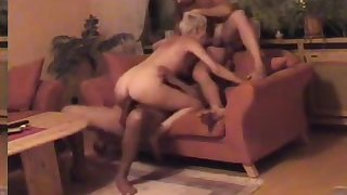 Hotgirl's threesomes with hubby and friend