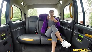 Sahara Knite spreads her legs for a cock in the car while she screams