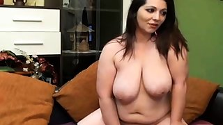 Sexy chubby MILF