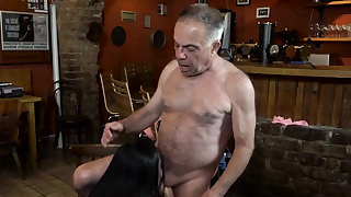 Old dad fucks hard xxx Anna and her beau came to his