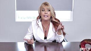 Boss lafy Joclyn Stone drops on her knees to blow her employee